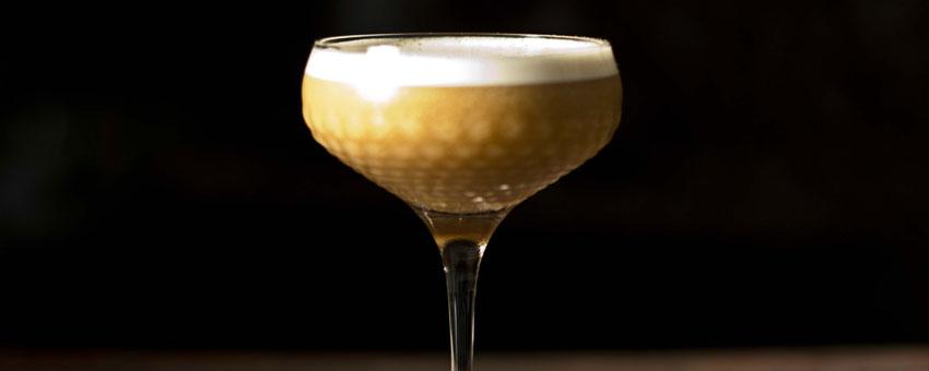 cocktail gin flip
